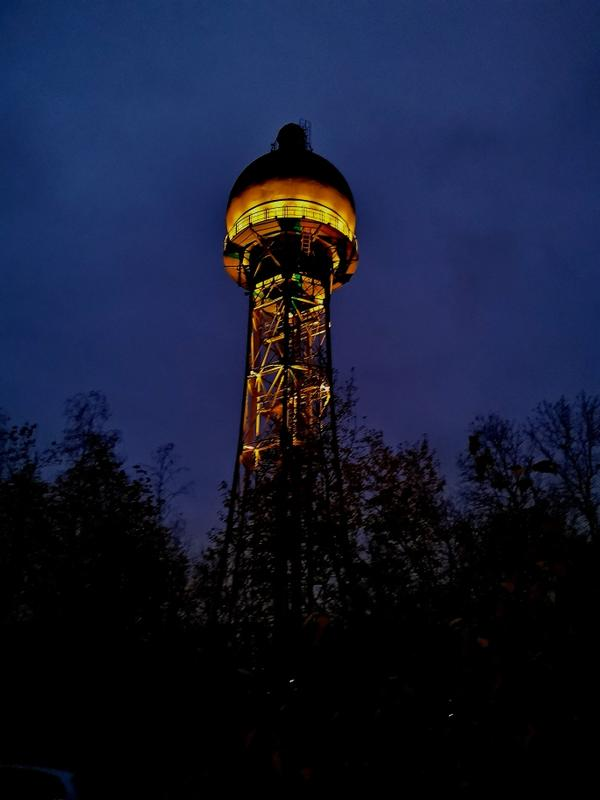 "Wasserturm ""Orange the World"""